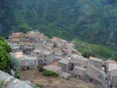 CONTEA DI SCLAFANI DOC – DOP Contea di Sclafani is an Italian DOC mark of origin covering Red, Rosé and White (Rosso, Rosato and Bianco) wines produced in a relatively large area south-east from Palermo, on the north coast of the Sicily island. The DOC area extends in the province of Palermo, in the areas of Valledolmo, Caltavuturo, Alia and Sclafani Bagni. http://sicilianwinetour.com/contea-di-sclafani-doc-dop/
