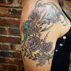 Colour floral neo-traditional tattoo by Rocio Todisco, done in Johannesburg at the Black Lodge Floral Tattoos, Hummingbird Tattoo, Neo Traditional Tattoo, Color Tattoo, Tatoos, Birds, Colour, Flowers, Black