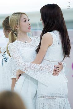 WJSN ♡ Meng MeiQi 미기 • 孟美岐 & EunSeo 은서 (Son Juyeon 손주연) 160821 #우주소녀