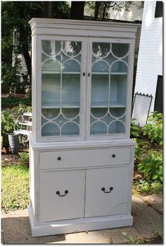 Primitive & Proper: China Cabinet Reveal pale gray and blue-green Love this cupboard Small China Cabinet, Antique China Cabinets, Painted China Cabinets, Dining Room Decor Elegant, Blue Painted Furniture, Small Room Design, Furniture Projects, Furniture Redo, Funky Furniture