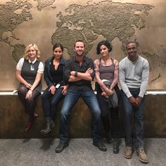 The gangs all here! @ashleythejohnson @sullygram77 @brocolirobbrown -- @JaimieAlexander #Blindspot