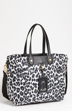 MARC BY MARC JACOBS 'Preppy Nylon Eliz-A-Baby' Diaper Bag available at #Nordstrom. I want this bag!!! Maybe my awesome hubby will buy it HA! I could wish. :)