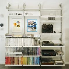 Vitsoe 606 Universal Shelving System. Designed by Deiter Rams, made today.