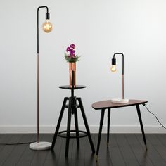 Simple style lamp in a combination of luxe finishes; matte black & aluminium or copper with a solid white marble lamp base. Industrial Style Floor Lamp, Copper Floor Lamp, Diy Floor Lamp, White Floor Lamp, Copper Lamps, Modern Floor Lamps, Copper Metal, Metal Floor, Black Table Lamps