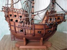 Галеон 16 века Model Ship Building, Boat Building, Lego Pirate Ship, Steampunk Ship, Pirate Party Decorations, Ship In Bottle, Model Boat Plans, Camping Needs, Wooden Ship