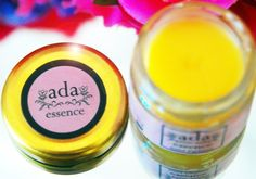 The rose note contained in ADA ESSENCE solid perfume is supported by the notes of musk, violet, bloody geranium, rose petals and green-leaved plants. Easily carried in your purse, it is ideal to refresh your odor with slight touches in the course of your day. It is ideal for use on an allergic body. By one's skin temperature, it is integrated with one's self odor during a day. You can obtain unique scents by wearing other perfumes on where you applied the solid perfume.
