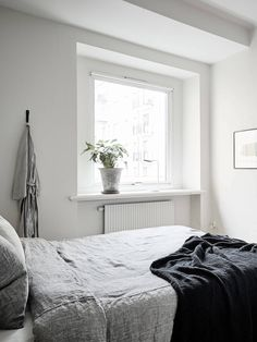 Connected living room and bedroom - via Coco Lapine Design blog