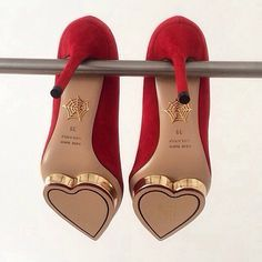 Puss in Boots 😺 Hearts: heels, Charlotte Olympia. Pretty Shoes, Beautiful Shoes, Cute Shoes, Me Too Shoes, Dream Shoes, Crazy Shoes, Charlotte Olympia, Stilettos, High Heels