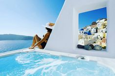 Relax in Outdoor jacuzzi while enjoying the stunning view of the Caldera! Aspaki Exclusive Suites | www.bookingsantorini.com | #santorini #santorinihotels  #oia #jacuzzi #caldera #aspakisuites #artmaisons #luxury #honeymoon #bride #greece #travelgreece #greekholidays #summer #travel #instatravel #instagreece #travelgram #greekgram #trip #hellas #europe #european #eu #wu_europe #mediterranean #traveller #bookingsantorini