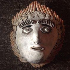 Rara e Importante mascara en barro cocido patinado y decorado con pastillaje profuso de los 50's, original de Ocmichu, Michoacán, México. Size: 23 x 20 x 11 cms / 9.1 x 7.7 x 4.1 inches. Preguntar el Precio ~ Price Upon Request.