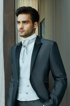 Wedding Men, Wedding Suits, Wedding Attire, Beautiful Boys, Gorgeous Men, Mens Suits, Black Men, Marie, Handsome