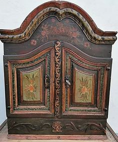 Norwegian Rosemaling, Early American, Painting Cabinets, Cool Furniture, Hand Painted, Antiques, Cupboards, Gabriel, Home Decor