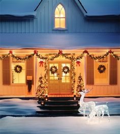 Deck The Front Porch With Classic Holiday Colours   photo Stacey Brandford   House