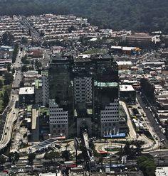 https://flic.kr/p/br54Jg | Tikal Futura | Foto aérea que muestra en toda su…
