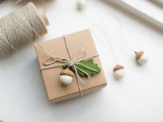 Felted acorn ornaments - Set of 6 ivory white party favors linen or jute twine Christmas decor Table decoration wrapping gift ideas White Christmas Ornaments, Christmas Gift Wrapping, Acorn Decorations, Christmas Decorations, Holiday Gifts, Christmas Gifts, Christmas Tree, The White Company, Jute Twine