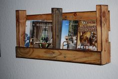 We explain to you very easy pallet walls Shelf design which gives you ways to create walls shelves in your house. These walls shelves add a beauty to your Wooden Pallet Shelves, Pallet Crates, Wooden Pallets, Pallet Bookshelves, Pallet Walls, Cheap Home Decor, Diy Home Decor, Build Your Own Shelves, Diy Pallet Furniture