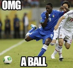 OMG a ball - 25+ Funny Football Moments #funny #wtf #football #Weird