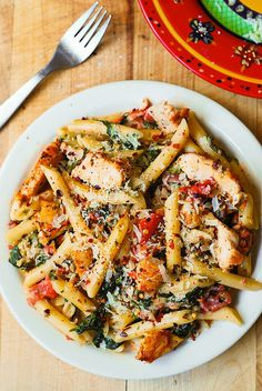 Chicken & Bacon Pasta with Spinach and Tomatoes in Garlic Cream Sauce