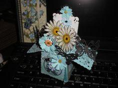 Box card folds for mailing. http://myelegantcards.blogspot.com/ for many inspirations