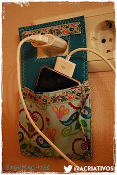 DIY cell phone charging station Preserved by Anique: Maching . - DIY cell phone charging station Preserved by Anique: charging station by Machwerk …. Cute Crafts, Crafts To Do, Diy Crafts, Upcycled Crafts, Fabric Crafts, Sewing Crafts, Sewing Projects, Scrap Fabric, Diy Projects To Try