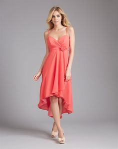 Robe pour demoiselle d'honneur, couleur rose pâle.  Bridesmaid dress.