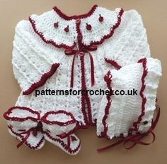 Free pdf baby crochet pattern for coat, hat & booties (ad) #patternsforcrochet #crochet #babycrochetpatterns #freecrochetpatterns