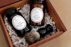 In this project we will show how to make homemade pre-shave oil and shaving cream with a free printable label to create a DIY mens shave kit.