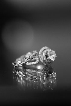 i WANT this for my wedding ring!