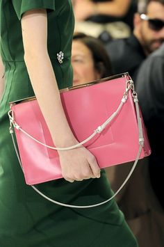 Love this over-sized clutch. A pop of pink but not too sweet. <3
