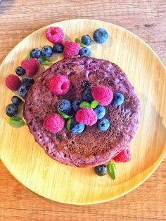 Pancakes cu fructe de pădure 🥞🍓 Pancakes, Breakfast, Recipes, Food, Morning Coffee, Recipies, Essen, Pancake, Meals