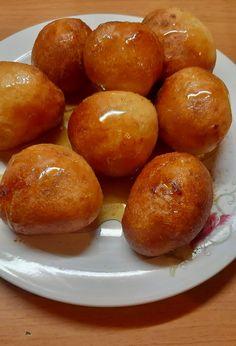 συνταγή για_ λουκουμάδες_ Greek Desserts, Pretzel Bites, Bread, Food, Bakken, Recipes, Brot, Essen, Eten