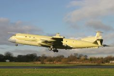 Faced with a budget problem, the Royal Air Force will soon make a crucial choice for the replacement of Nimrod maritime patrol aircraft. The problems and even more serious, since the withdrawal of the Nimrod MR2 and the abandonment of MRA4 standard, the United Kingdom finds itself without strategic maritime patrol aircraft.