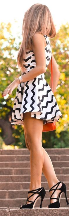 Mini skirt in black and white with stylish sandals