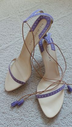 BURBERRY Lavender Heels ♥