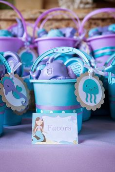 Amazing Ideas for a Beautiful Mermaid Birthday Party! Style a beautiful under the sea birthday with gorgeous mermaid party ideas. These mermaid party food ideas Mermaid Party Favors, Mermaid Theme Birthday, Little Mermaid Birthday, Little Mermaid Parties, Girl First Birthday, Frozen Birthday, Party Fiesta, 6th Birthday Parties, Birthday Ideas