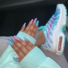 In look for some nail designs and ideas for the nails? Here's our list of 28 must-try coffin acrylic nails for stylish women. Cute Nike Shoes, Cute Nikes, Nike Air Shoes, Sneakers Nike, Cute Acrylic Nail Designs, Cute Acrylic Nails, Souliers Nike, Shoe Nails, Jordan Shoes Girls