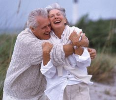Old people need hugs too! Love Is All, True Love, Old Love, Vieux Couples, Growing Old Together, Forever Love, Ageless Beauty, Aging Gracefully, Travel Couple