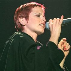 Short Hair With Bangs, Hairstyles With Bangs, Short Hair Styles, Dolores O'riordan, Irish Rock, Post Punk, Fan Page, Pop Rocks, Rock Bands