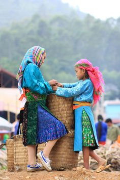 Chợ phiên Đồng Văn [ Dong Van Sunday Market] (by pinnee.)