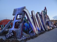Las Vegas Must See Attractions : Las Vegas Neon Museum - Tips For Travellers