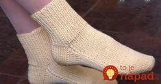 Perfektný darček, alebo milá pozornosť pre vašich drahých. Urobte pre svojich drahých niečo špeciálne – napríklad ručne zhotovené teplučké ponožky. Berte ihlice a ide sa na ne, o chvíľu máte hotovo. Potrebujeme: priadzu dve ihlice krajčírsky meter Postup: Najskôr si zmerajte obvod členka a tiež časť od priehlavku k päte. Začínate zadnou stranou. Na obe... Leg Warmers, Gloves, Slippers, Socks, Legs, Knitting, Crochet, Handmade, Fashion