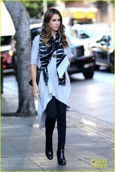Jessica Alba street style; celebrity fall fashion
