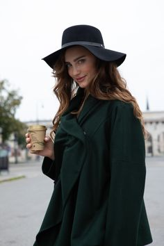Asymmetric fashion stylish green autumn Jacket with the gathered front. Loose fit for the perfect casual jacket outfit. By ARTISTA ladies Brand #fashiondiscovery #ARTISTA #Jacket #fashion #style #winter_jacket #autumn_jacket #green_jacket_outfit #stylish_jacket #outfit_jacket #fall_jacket #fall_jacket_womens #coats_jackets #designer_jacket #casual_outfit #casual_jacket_outfit