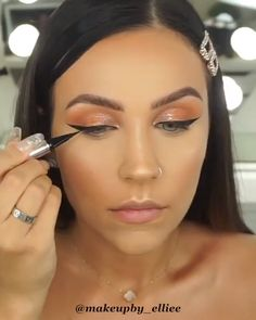 Copper shimmer shadow eye makeup tutorial, brides on a budget makeup tutorial, Summer Makeup Guide – How To Rock This Season's Trends Copper shimmer shadow eye makeup tutorial, brides on a budget makeup tutorial. Makeup Brush Storage, Makeup Brush Cleaner, Makeup Brush Holders, Make Up Looks, Makeup Brushes, Eye Makeup, Crown Makeup, Glam Makeup, Make Up Guide