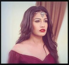 New Outfits, Fashion Outfits, Surbhi Chandna, Saree Navel, Bollywood Stars, Celebs, Celebrities, Beautiful Couple, India Beauty