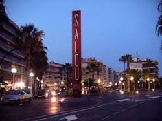 If you are looking for a place to spend your holiday,Salou is perfect for you, it has beaches, shopping centers, resorts and many things to do. Venus, Bright Side Of Life, Golden Gate Bridge, Strand, Things To Do, Tourism, Beautiful Pictures, Vacation, Destinations