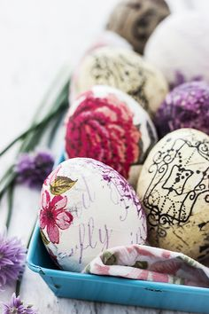 Oua decorate cu tehnica servetelului • Bucatar Maniac • Blog culinar cu retete Easter Holidays, Easter Eggs, Diy And Crafts, Breakfast, Handmade, Blog, Crafting, Craft Ideas, Fine Dining
