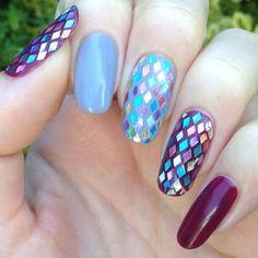 Glitter placement nail art.