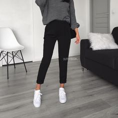"6,631 Likes, 10 Comments - www.outfitbook.fr (@outfitbook_) on Instagram: ""Yes to black pants ✔️ Notre pantalon favori est de retour en stock Ref 1232 
