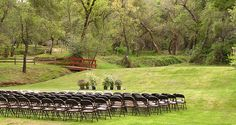 american River Resort The single-day rate for Events Center wedding and receptions is $1950. Seating capacity is 160 guests plus 8 at head table. Rate includes the following: •Full kitchen facilities •Twenty (20) 5' diameter round tables •Two (2) 8' banquet tables •One Hundred (100) folding chairs •Cafe/Bar Area with beer taps/cooler •Stage (usually used for head table) •Fireplace •Front Patio Area (7 tables, 28 chairs)